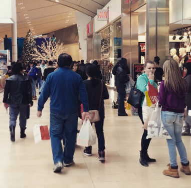 Boxing Day deals drew thousands of shoppers to Square One on Saturday, Dec. 26, 2015. (Photo: Nicky Roche/QEW South Post)