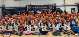 Youth had a ball at the Malton community centre Saturday where 300 kids attended a camp hosted by Peel Police's hoops squad. (Photo: Twitter/@avajoshi113)