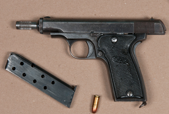 A loaded .32 MAB model semi-automatic firearm was seized from a Falconer Dr. home, say Peel Police. (Photo: Peel Police)
