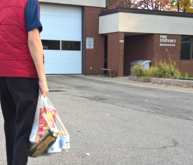 A Thanksgiving food drive is beginning in Mississauga on Monday, Sept. 19, 2016. (Photo: Irene Owchar/QEW South Post)