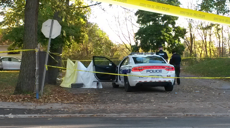 Peel police are investigating the murder of a man on Queen St. S. in Mississauga on Saturday, Oct. 22, 2016. (Photo: Kelly Roche/QEW South Post)